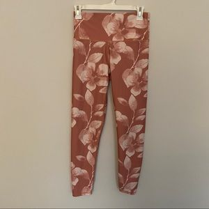 Aerie pinkish red foliage printed leggings